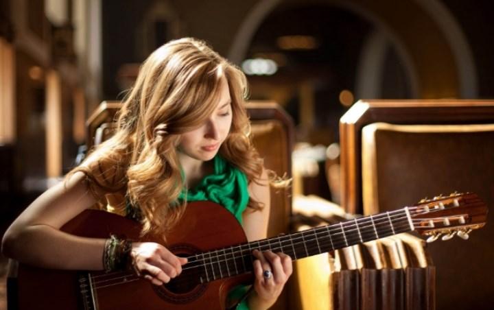 Tutorial Belajar Alat Musik Gitar Yang Benar